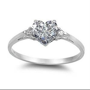Jewelry - White sapphire & 925 sterling silver ring